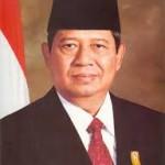 Usai Melantik Pamong Praja IPDN,  Presiden SBY Didemo BEM SI