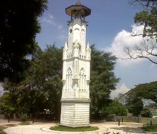 Daya Tarik Obyek Wisata Menara Loji Jatinangor di Jatinangor Sumedang Jawa Barat
