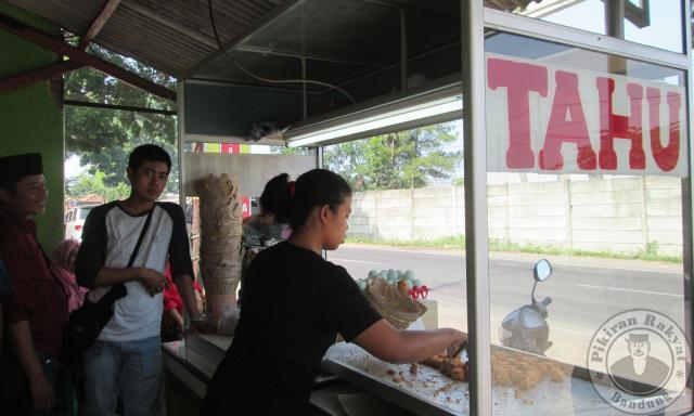 Pedagang Tahu Sumedang Akan Ditempatkan di Rest Area Tol Cisumdawu