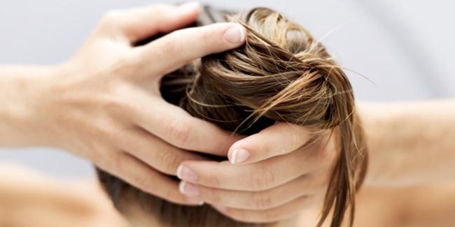 Hal-Hal Yang Dapat Merusak Rambutmu Setiap Hari