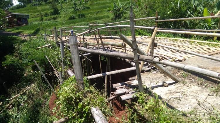 Jembatan Cilayung Kembali Roboh