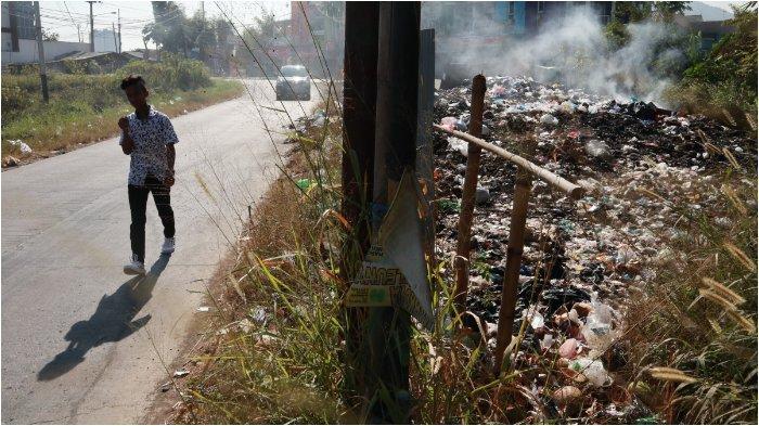 Tumpukan Sampah di TPS Liar di Jatinangor Ini Terakhir Diangkut pada 2016