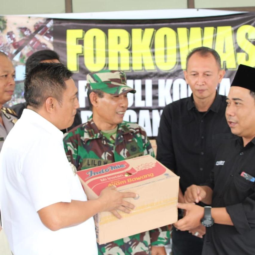 Peduli Korban Banjir, Forkowas Bagikan Sembako