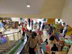 Polsek Jatinangor Lakukan Sosialisasi 4 M di Pusat Perbelanjaan